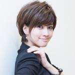 内田有紀がソニー損保CMにミニスカート出演!!ウルフっぽい髪型が色っぽい!
