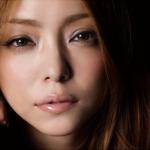 カラコンReVIAのCM曲は安室奈美恵!!過去のCM曲は?