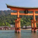 厳島神社の鳥居はなぜ倒れない?構造や腐食しない理由はコレ!